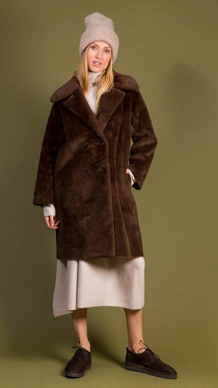 Amomento Shearling Long Coat - Brown