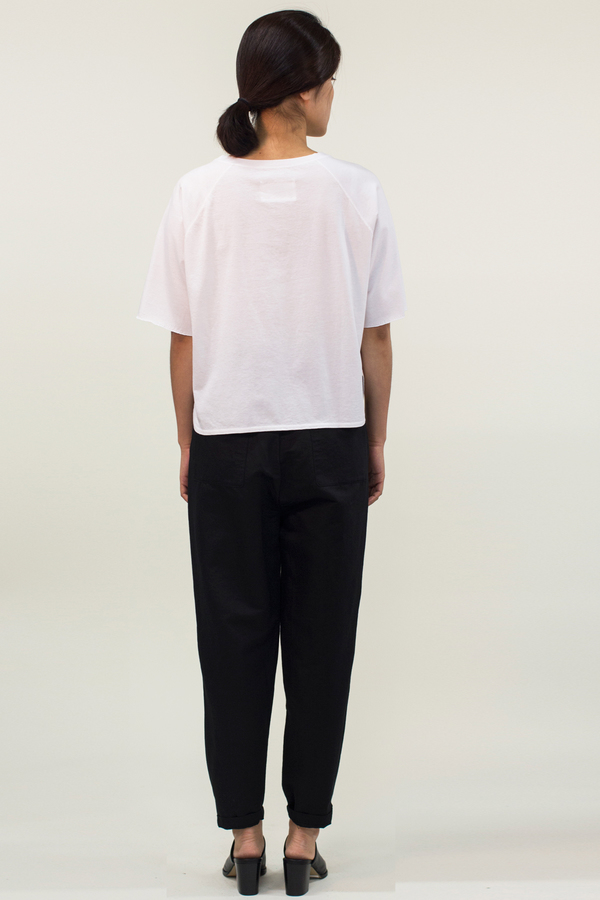 Universal Tissu Pocket Crop Top- White