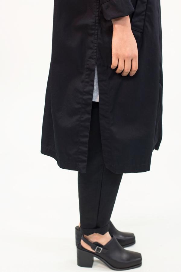 Universal Tissu Waterproof Trench Coat- Black