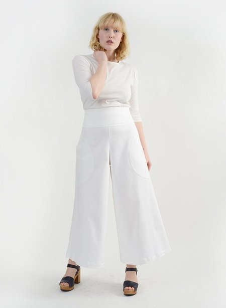 Meg Round Pocket Pant - White