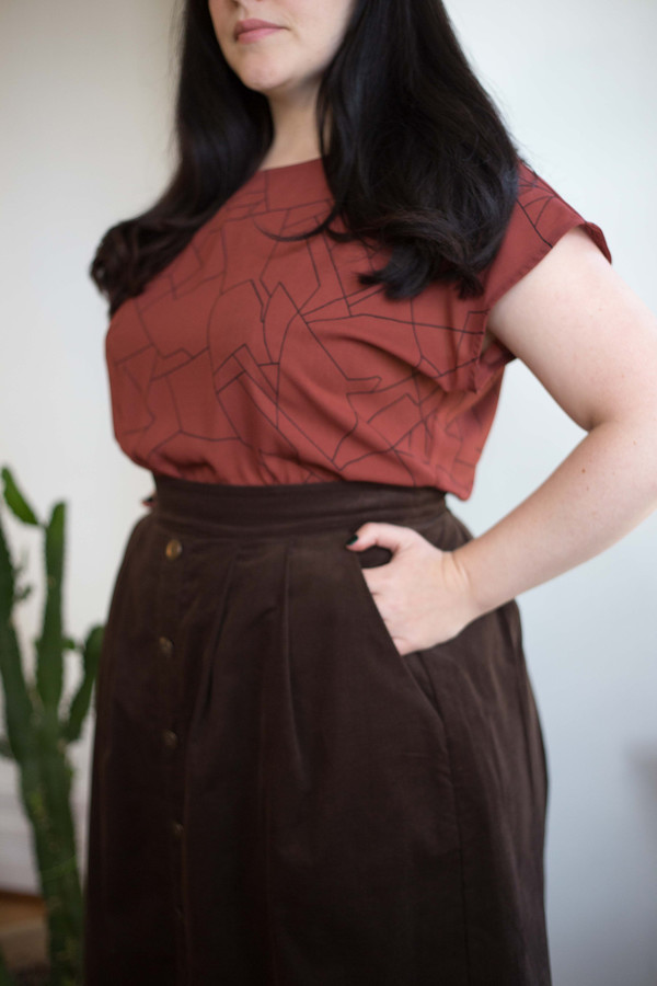 Birds of North America Toucanet Skirt (Brown)