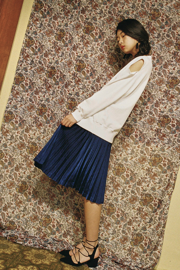 AMONG SEOUL Metallic Fan Skirt- Mustard