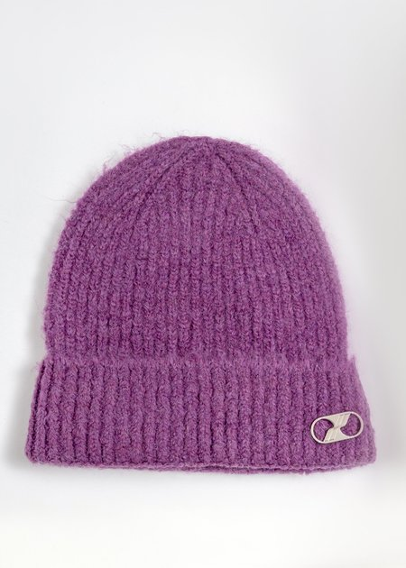 we11done Embroidered Metal Logo Long Beanie - Purple