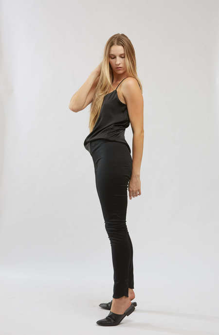 Textilehaus Body Shell Bottom - Black