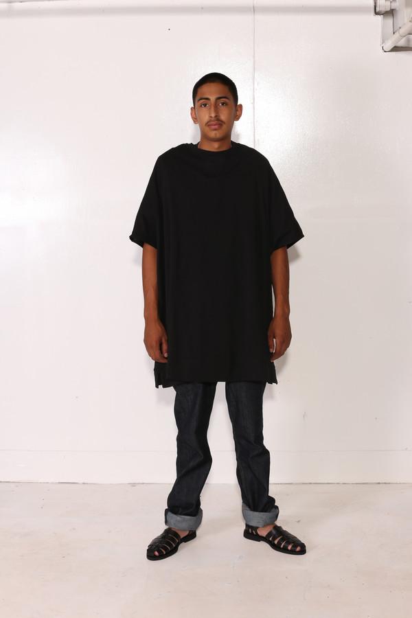 Intentionally Blank VINKA TEE Black