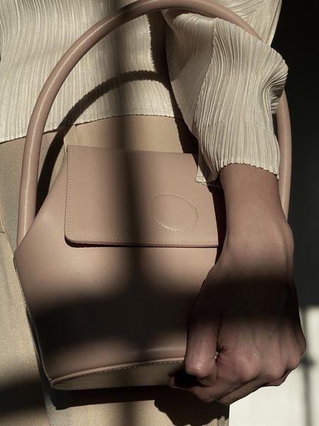 Modern Weaving Arch Top Handle Bucket bag - Dune