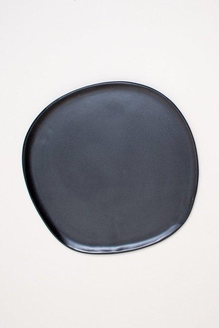 Haand Ripple Dinner Plate - Matte Black