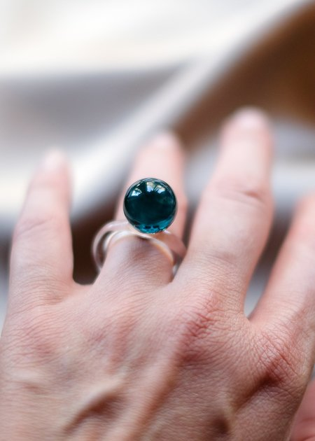 JANE D'ARENSBOURG Glass Orb Ring