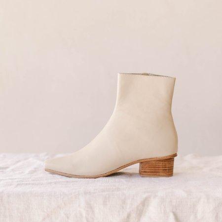 St. Agni Clementine Boot - Ecru