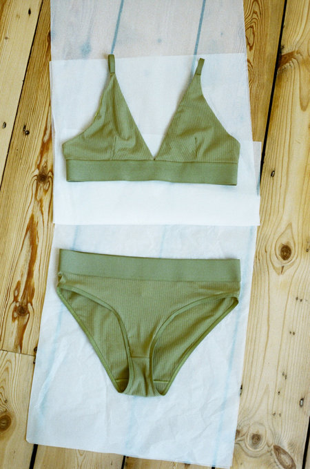 BASERANGE Triangle Bra - Topa Green