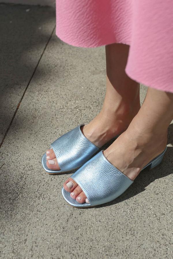 Maryam Nassir Zadeh Sophie Slide in Ocean Metallic Texture