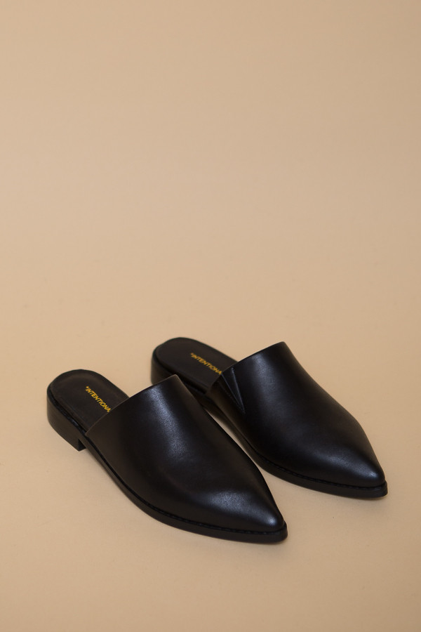 Intentionally Blank Titan Flats in Black Leather