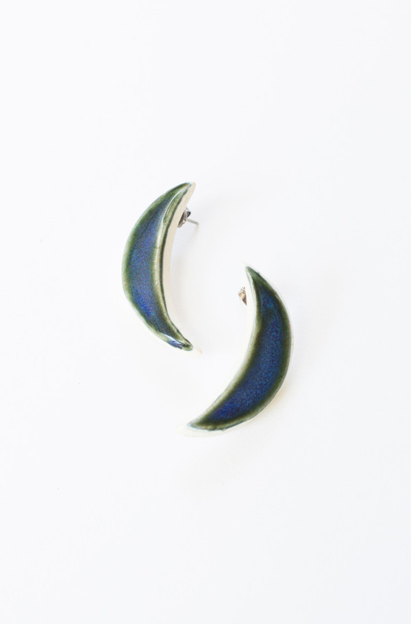 Gamma Folk Crescent Earrings