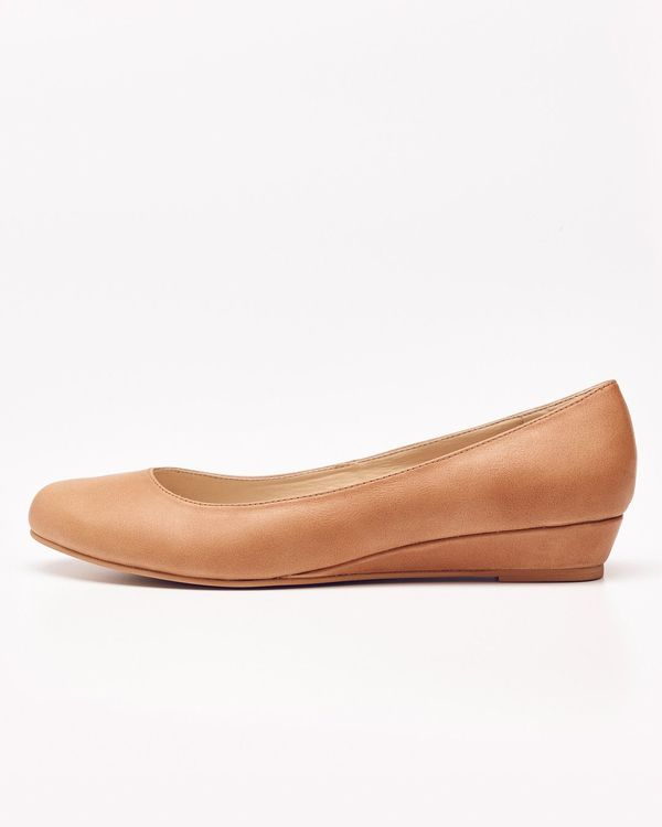 Nisolo Mendez Flat Almond 5 for 5