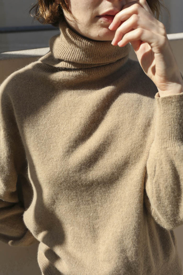 NONNA Vintage Evan-Picone Tan Turtleneck