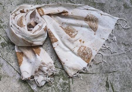 Auntie Oti Handloomed Cotton Leaf Scarf