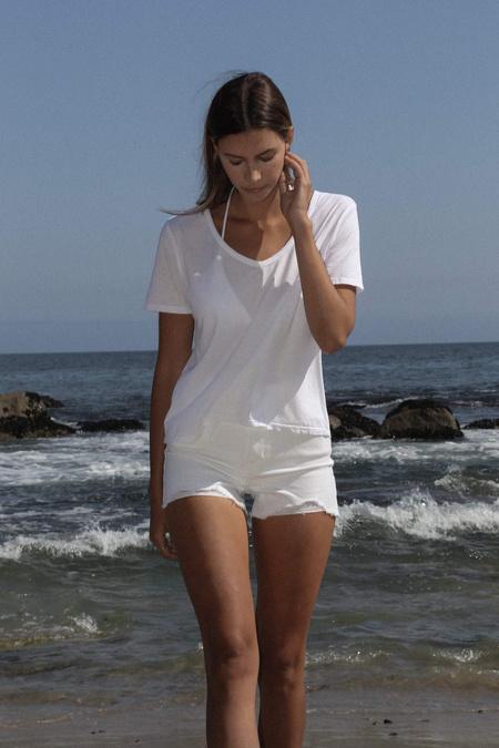 Christina Lehr Basic V - White