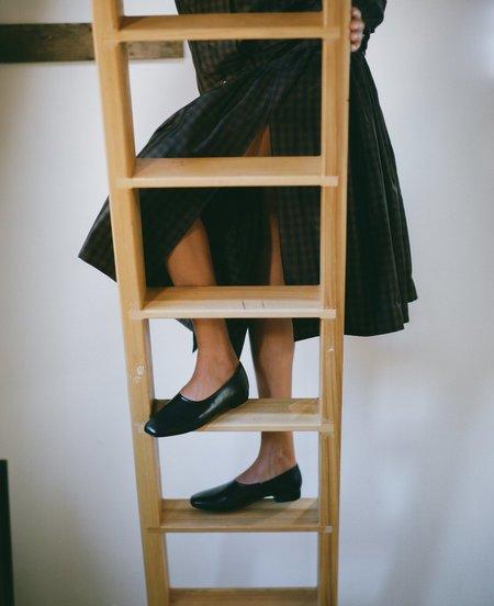 LOQ Laura Slip On - Black