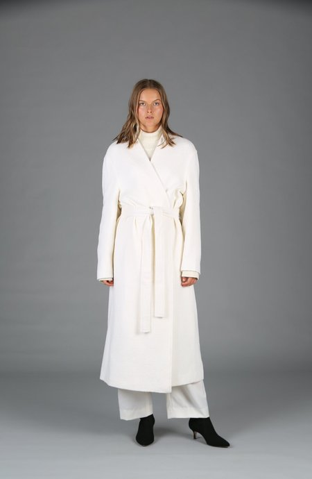 Le 17 Septembre Collarless Robe Coat - Ivory