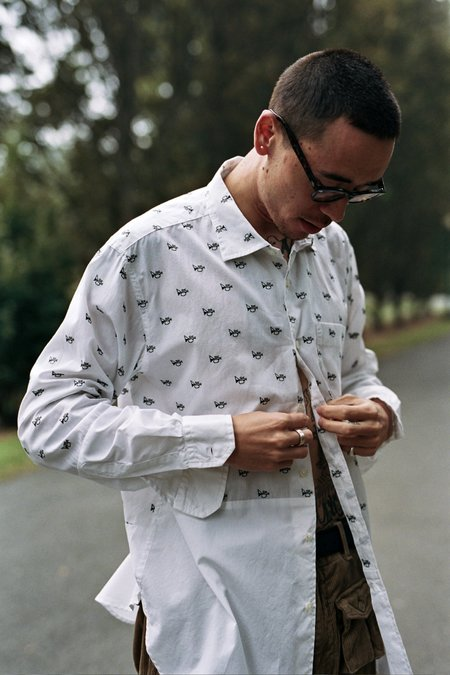 Spread Collar Shirt White Trumpet Embroidery Broadcloath