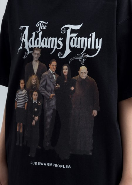 LUKEWARMPEOPLE Addam's Family Photo Print Tee - Black