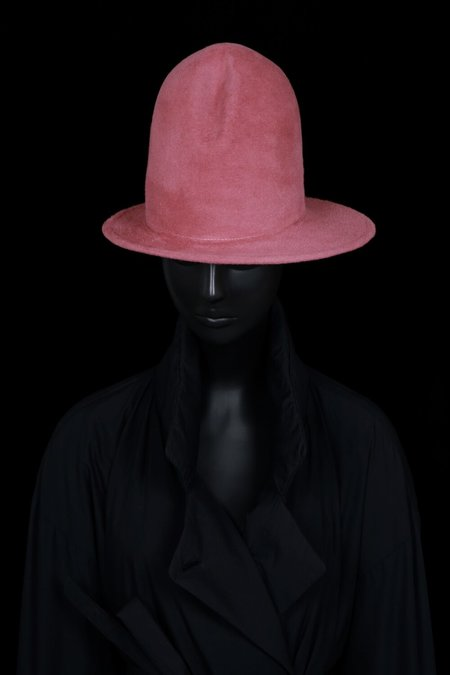 Esenshel DOME CREASED ASYMMETRIC BRIM HAT - rosé