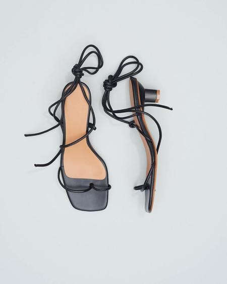 LOQ Roma Sandals - Black