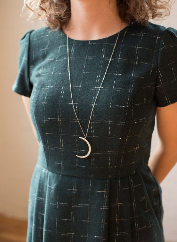 Sarah Mulder Large Crescent Moon Necklace