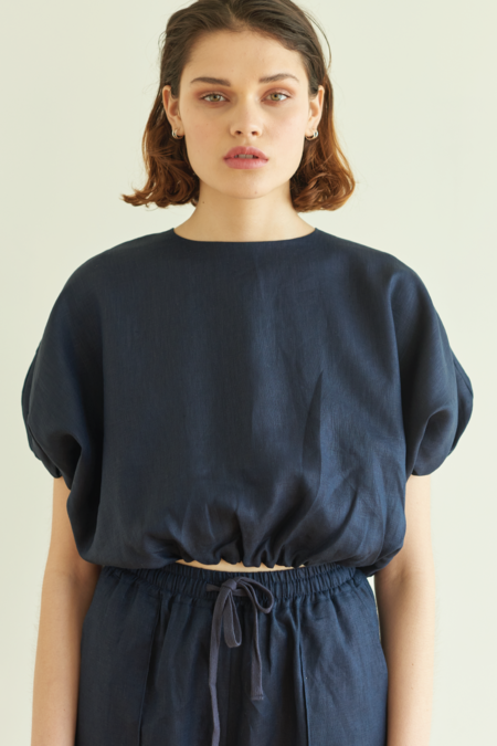 100% linen All Puffed Up Top - Indigo