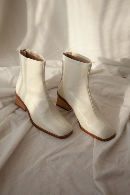 Paloma Wool Saturno Boots - Off White