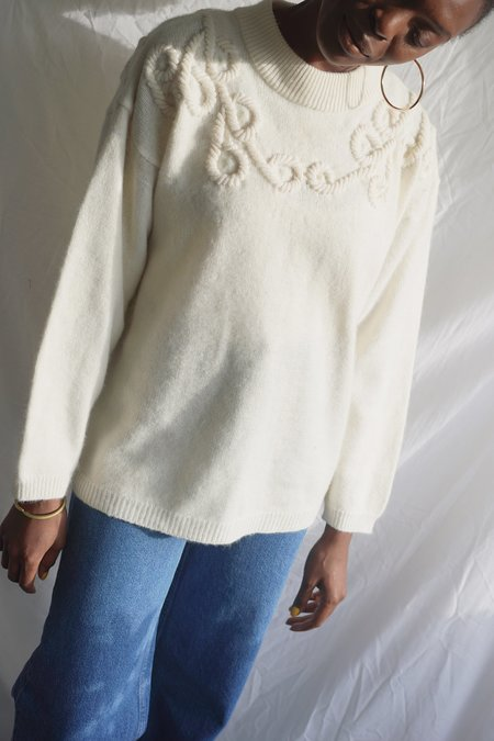 Solosix Embroidered Neck Pullover - Cream