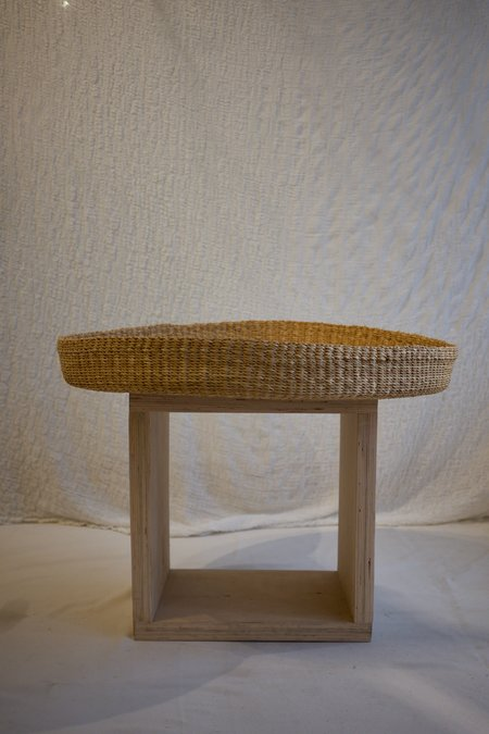 TWENTY ONE TONNES Woven Tray - Elephant Grass
