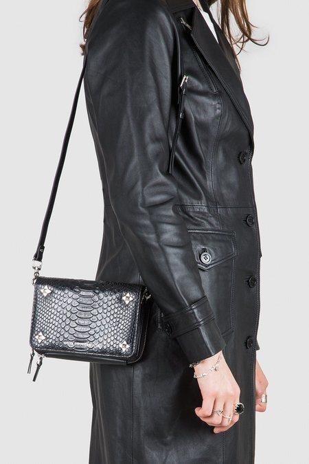Ninja Star Cross Body Snake Bag - black