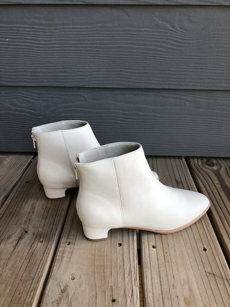 """""""INTENTIONALLY __________."""" Gary Leather Boot - Cream"""