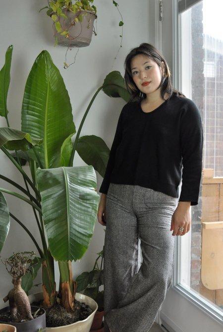 FFORM U-Neck Sweater - Black