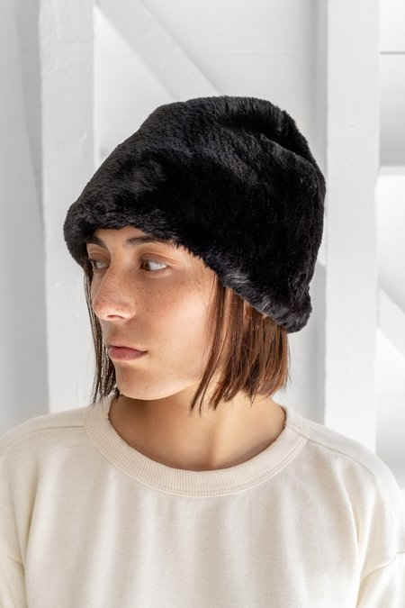 Clyde Faux Fur Toque Hat - Black