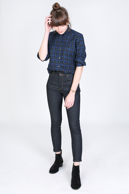 Vert & Vogue Laura Button-Up in Navy Plaid