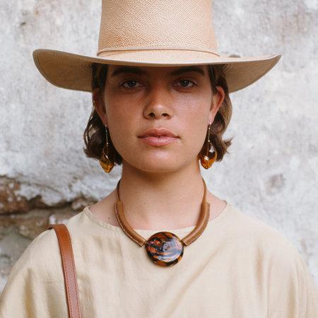 Crescioni lecce necklace - amber stripe