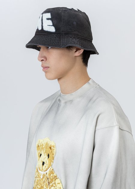 we11done Embroidered Patch Logo Bucket Hat - Charcoal