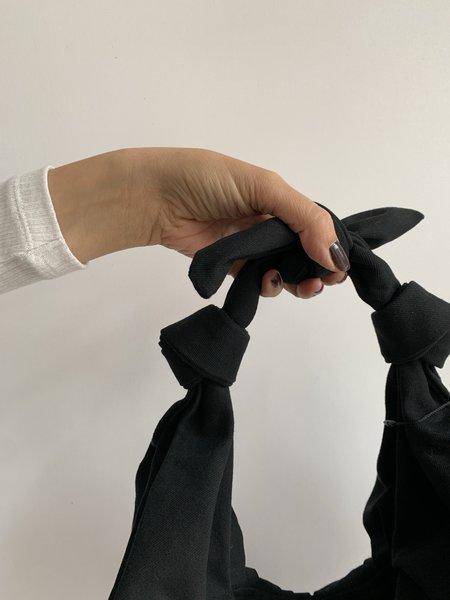 BRONZE AGE KIMI CROISSANT XL COTTON BAG - BLACK