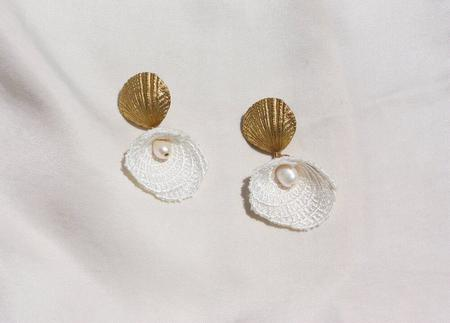 This Ilk Shell And Mother Of Pearl Earrings