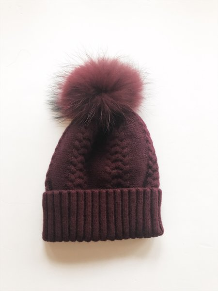 Equation Olivia pom Hat - Wine