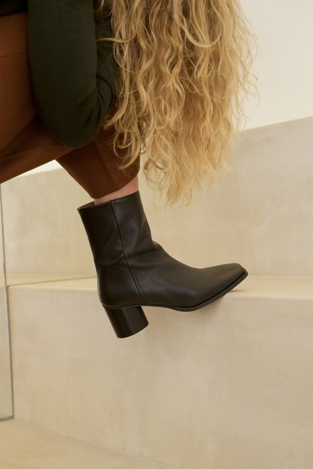 Anne Thomas Simon Boots - Black