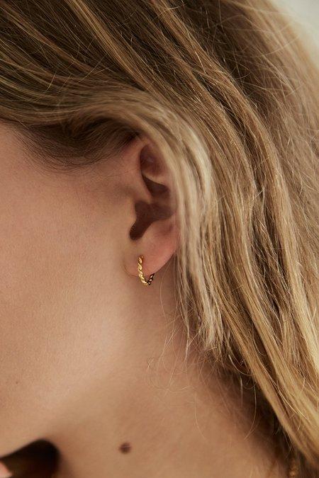 BRIE LEON Mini Twist Sleeper Earrings