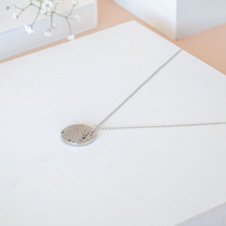 The CANO Shoe ANA Necklace Hammered - Silver