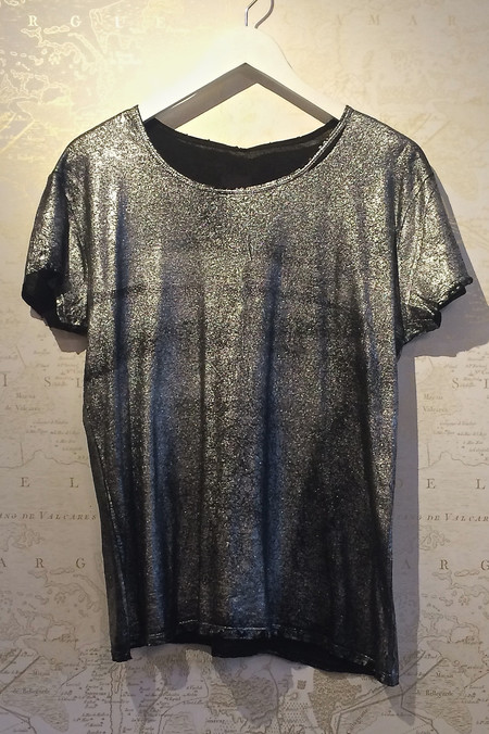 Rebecca Bree 'Nicola' Metallic Distressed Tee