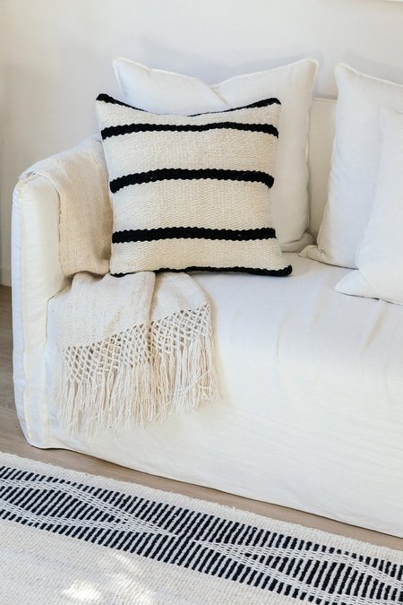 Pampa Porteño Cushion #2 - natural white/black