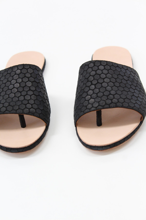 The Palatines Palatines Caelum Slide Sandal Black Hex