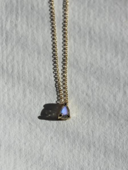 MERAKI BOUTIQUE Chain Little Gold Labradorite Trouvaille Necklace - Gold