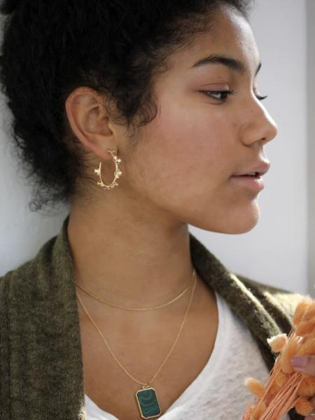 MERAKI BOUTIQUE Hoop Little Primrose Earrings - Gold